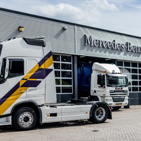 mercedes-benz-trucks-lease-banner-1