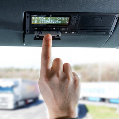 mercedes-benz-onderhoud-en-accessoires-update-dtco-tachograaf