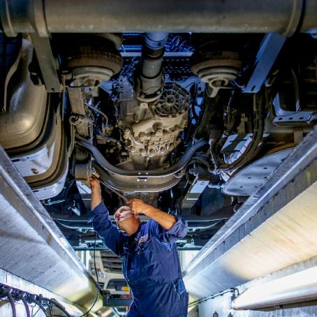 mercedes-benz-trucks-lease-banner-3