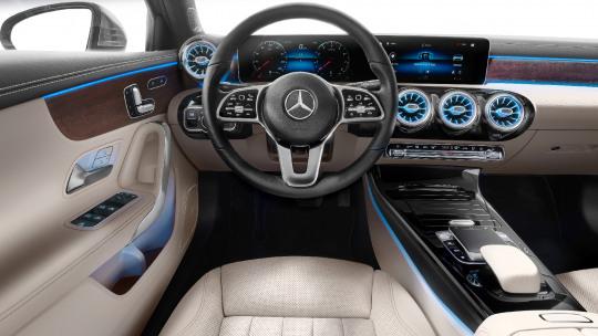 mercedes-benz-a-klasse-limousine-slider-3