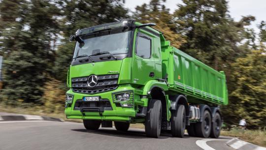 mercedes-benz-trucks-onderhoudsabonnementen-slider-1