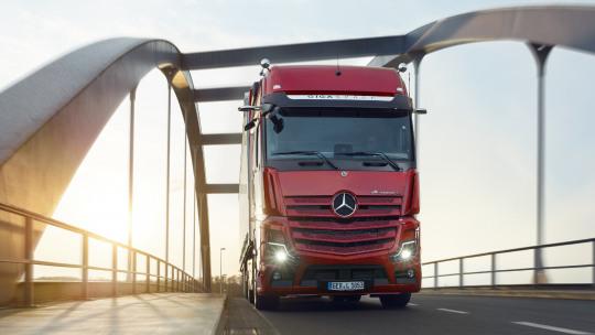 mercedes-benz-trucks-onderhoudsbonnement-slider