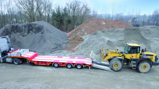 truck-trailer-aanhangwagens-slider-2