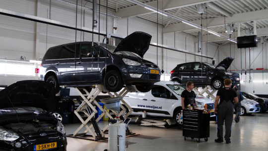 ford-services-economy-slider-2