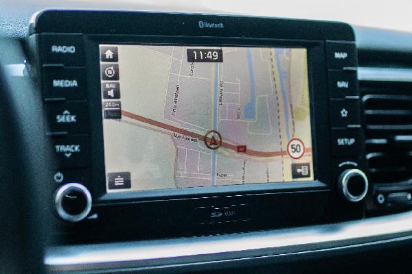kia-service-navigatie-update-hero-mobiel