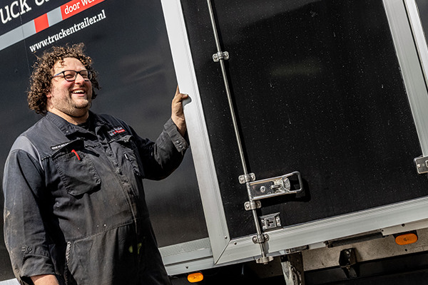 truck-en-trailer-verhuur-hero-mobiel