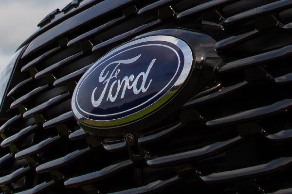 ford-services-onderhoudsabonnementen-hero-mobiel
