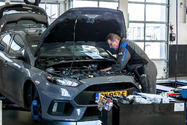 ford-services-video-check-hero-mobiel