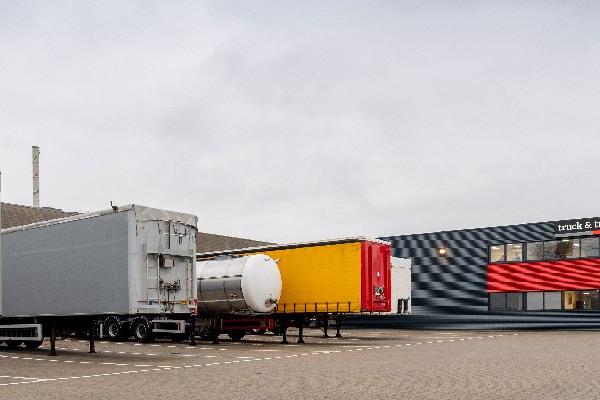 truck-trailer-aanbod-hero-mobiel