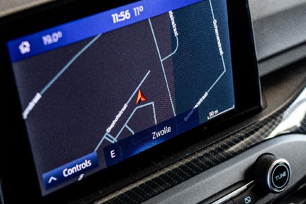ford-services-navigatie-update-hero-mobiel
