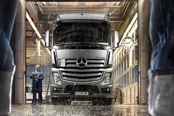 mercedes-benz-trucks-onderhoudsabonnementen-hero-mobiel