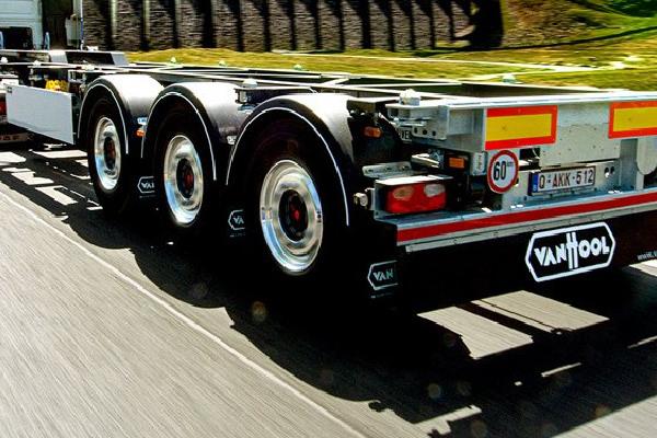 truck-trailer-merken-van-hool-hero-mobiel