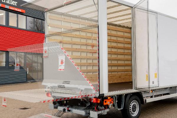 truck-trailer-cargo-box-hero-mobiel